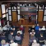 Daniel Reitel bedankte sich bei Till Reiners und Viktoria Freifrau von dem Bussche für den informativen Abend im Schafstall.